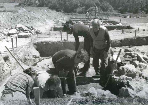 Pere de Palol i Mercè Muntanyola al jaciment de Can Bech, Agullana